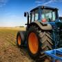 traktor selskoe pole zerno